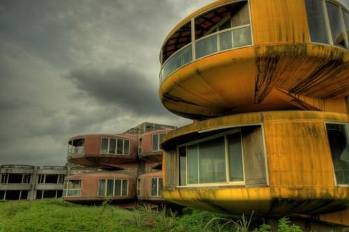 Sanzhi UFO Houses – San Zhi, Taiwan