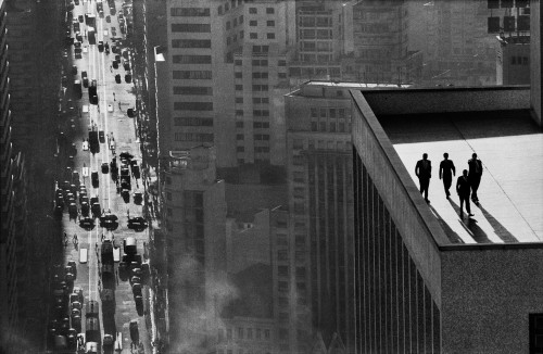 Men on a Rooftop (c) René Burri/Magnum Photos